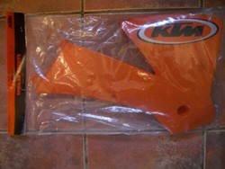 Bild von SPOILER RE. ORANGE SX  2001